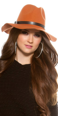 Trendy Fedora Felt Hoed met Leatherette Ribbon in Oker