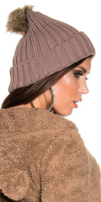 Trendy Knitted Muts met Fake Fur Pom Pom in Cappuccino