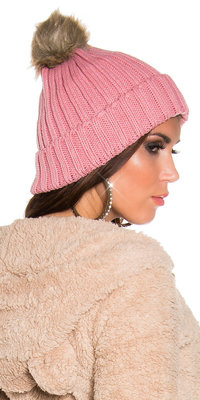 Trendy Knitted Muts met Fake Fur Pom Pom in Zalm